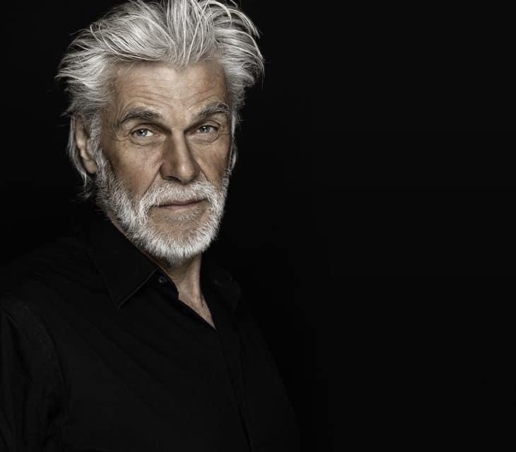 Graue Haare: Zu viel Stress oder genetische Faktoren?